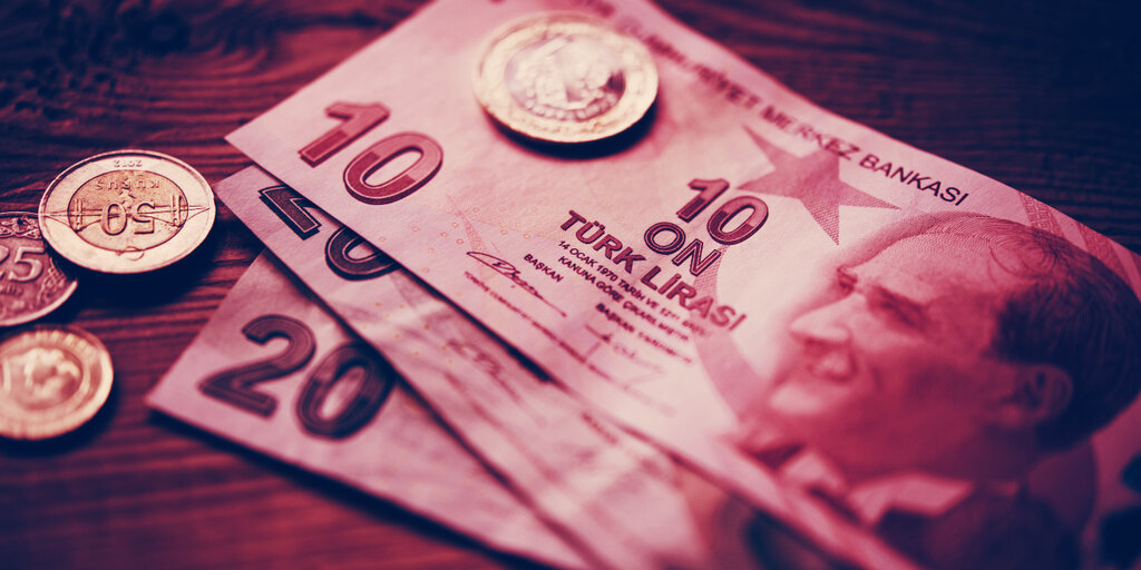 As Lira Plunges, Bitcoin Interest Among Turkey's Poor Spikes