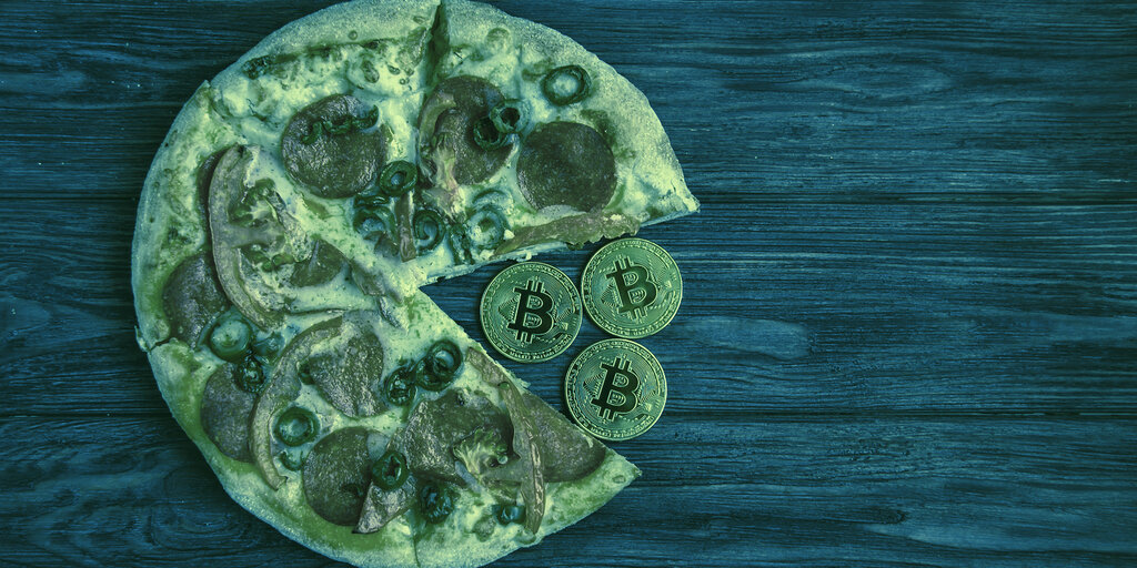 Bitcoin Spent on Two Pizzas in 2010 Now Worth $384 Million