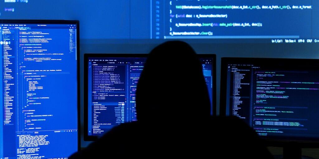 Hacker who took 30% of dark web offline is selling stolen data