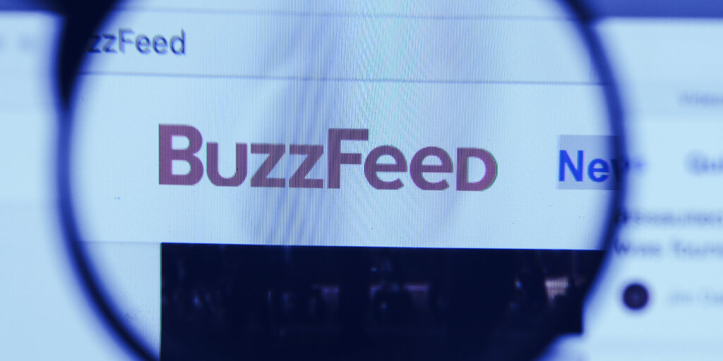 Buzzfeed fires reporter behind Zero Hedge Twitter ban