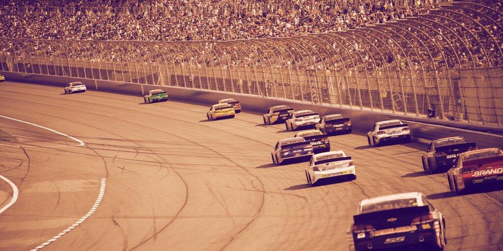 Cash App prints Bitcoin logo on NASCAR race car