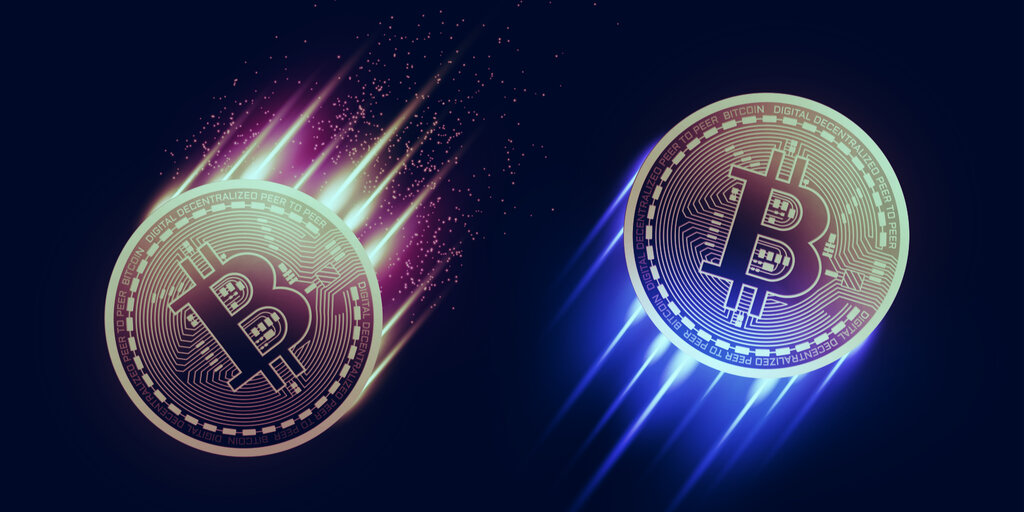Bitcoin holds firm despite mid-week price dump