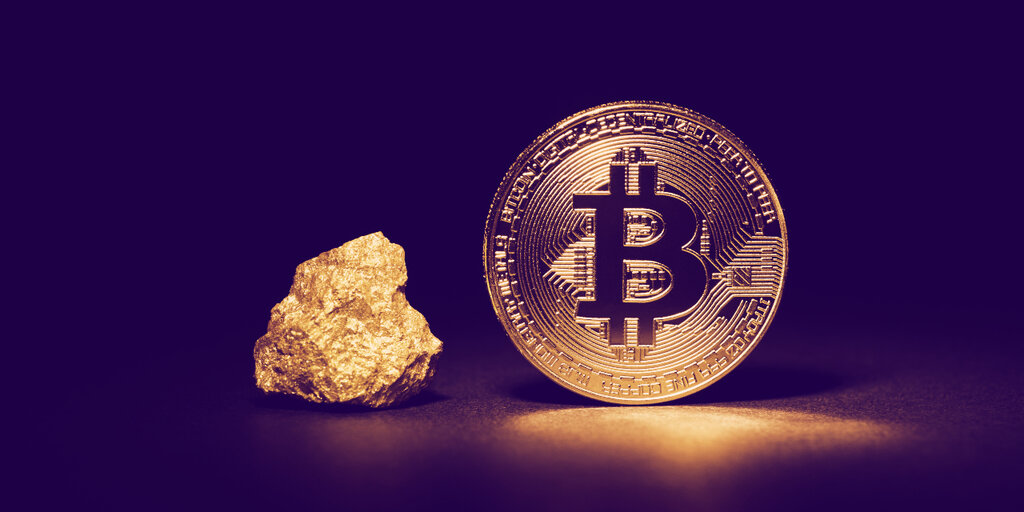 Bitcoin and Gold Cannot Coexist, Says MicroStrategy CEO