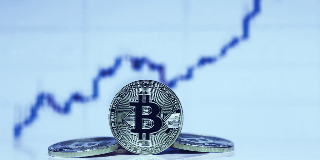 Bitcoin Dips Below $16k While Wall Street Breaks Records