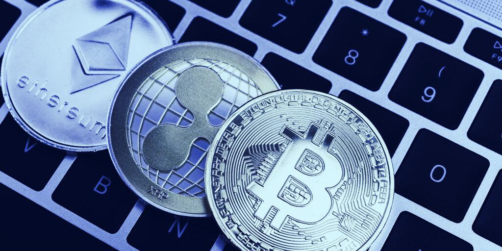 Crypto Bulls Take a Breath as Bitcoin, XRP Prices Dip