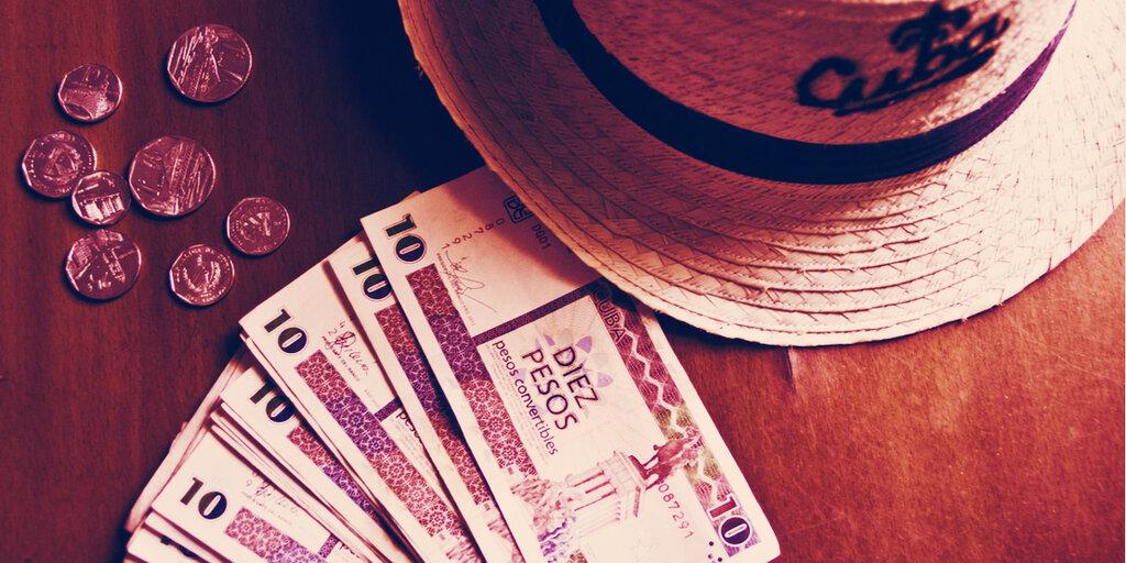 As Western Union Ends US-Cuba Transfers, Cubans Eye Bitcoin Options