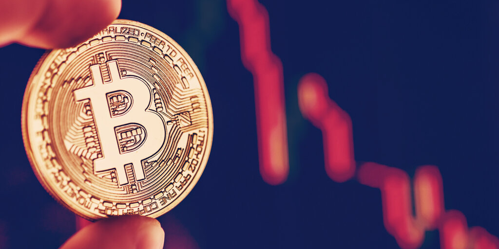Analysts Explain Why Bitcoin's Price Is Going Crazy This Weekend