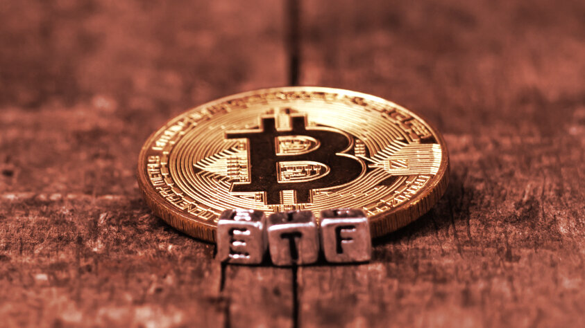 Is MicroStrategy Becoming a De Facto Bitcoin ETF? Experts Disagree