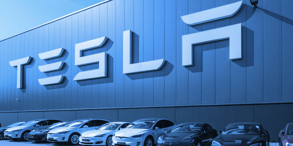 As Tesla Bets on Bitcoin, Former Goldman Exec Ditches Stock