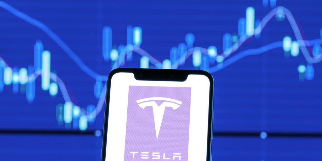 Bitcoin is 'Friend and Foe' for Tesla and Elon Musk: Wedbush