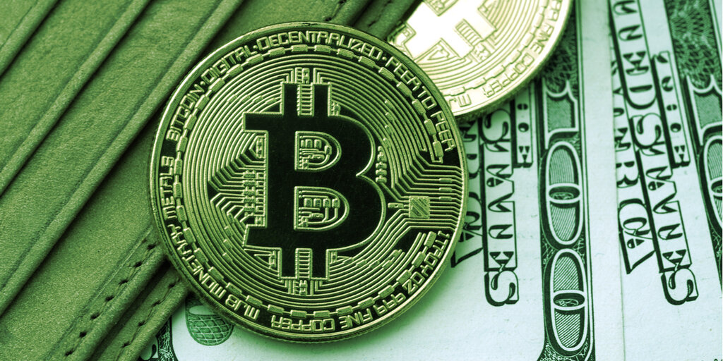 Bitcoin Loses Momentum Over the Weekend After Failing To Break ATH