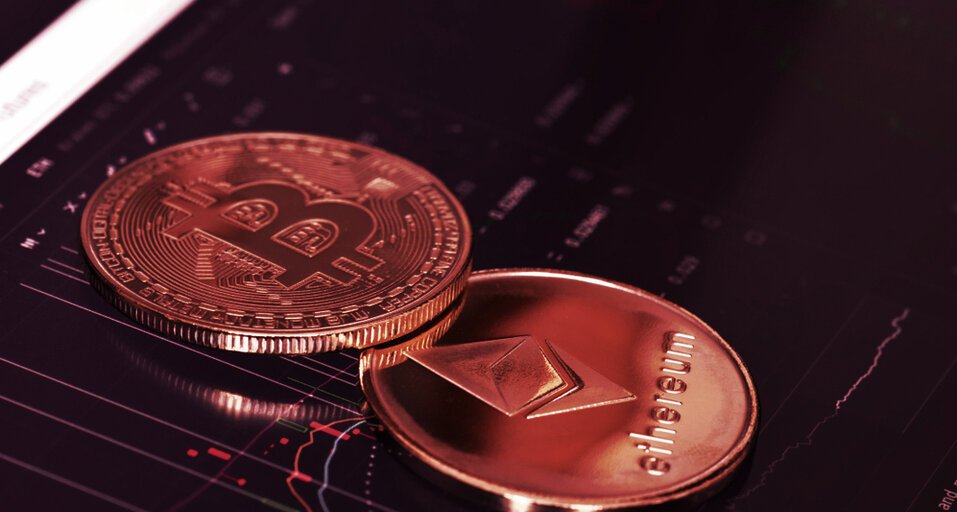 Bitcoin and Ethereum Continue to Fall, Crashing More than 7%