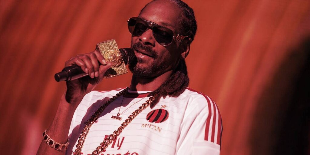 Non-Fungible Token (NFT) Collection - Snoop Dogg: Spamming Crypto Wallet With NFTs Is 'Insult to Artists'