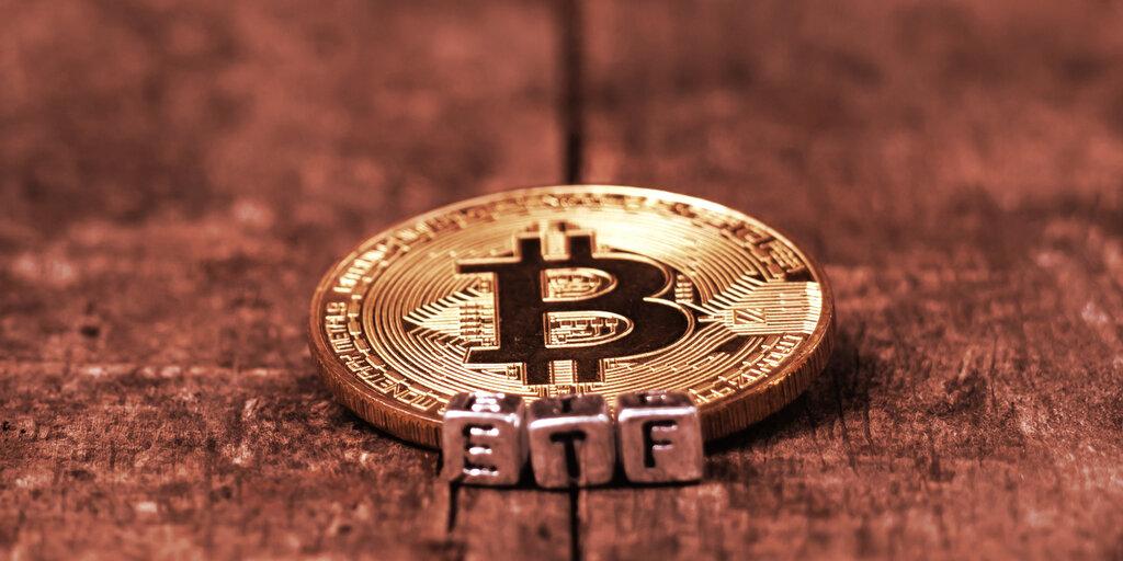 SEC Starts Scrutiny of Skybridge and Fidelity's Bitcoin ETF Bids