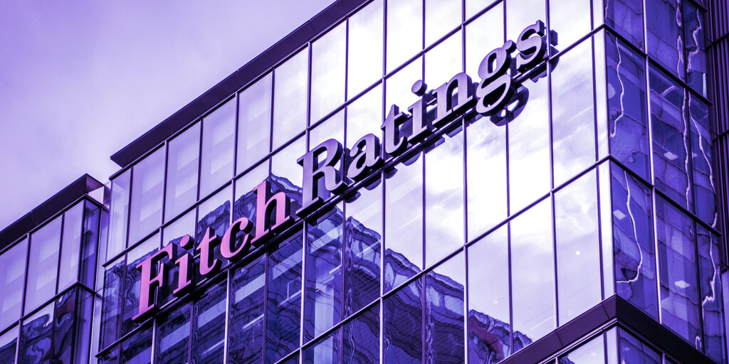 Fitch Ratings Issues Stablecoin Warning