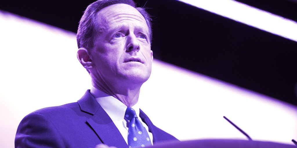 Sen. Toomey Called Out Proposed Crypto Rule, Then Bought Bitcoin and Ethereum Shares