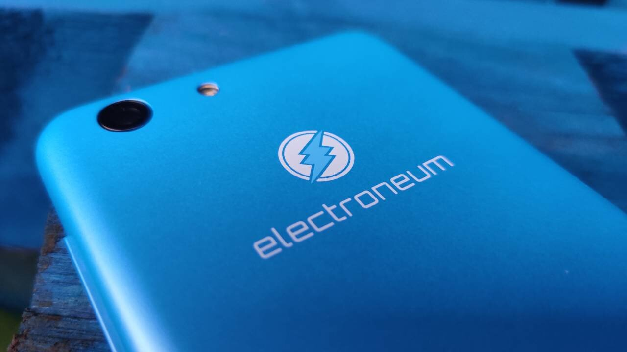 Electroneum M1 review - design and build