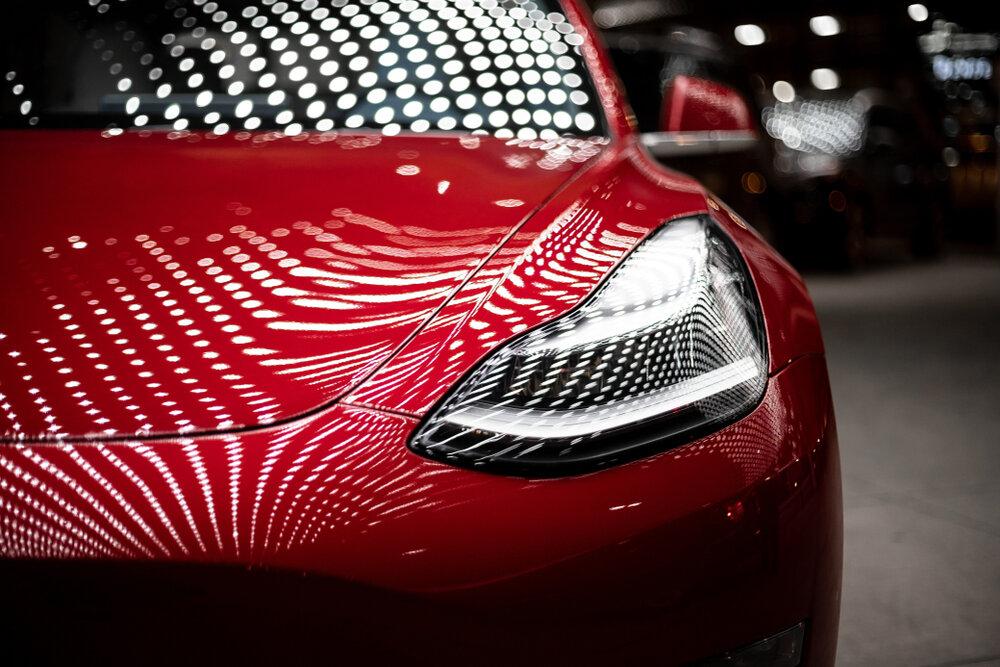 Tesla stock rises in a bubble