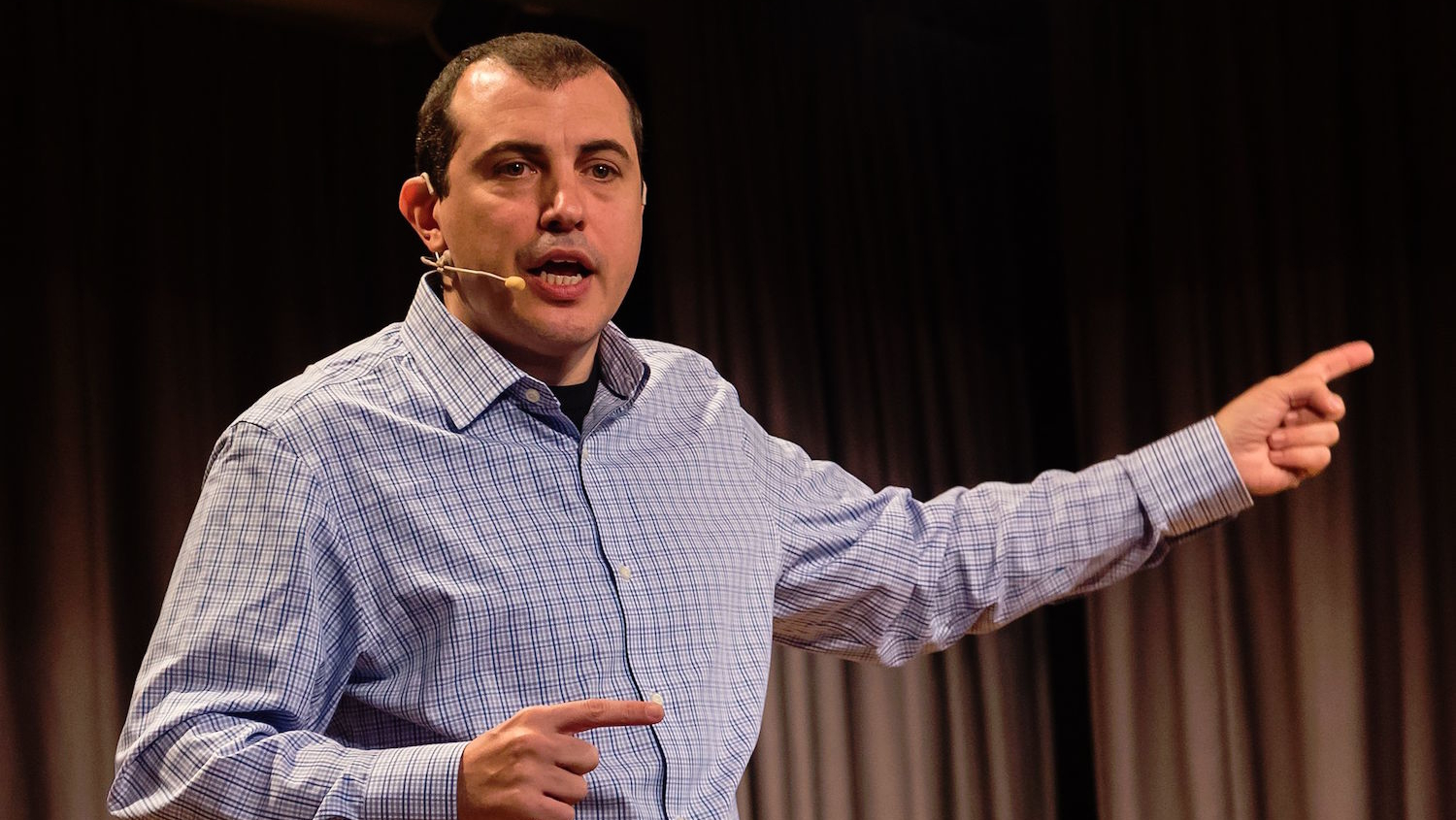"Andreas Antonopoulos: Bitcoin will destroy the ""golden cage"" of banking"
