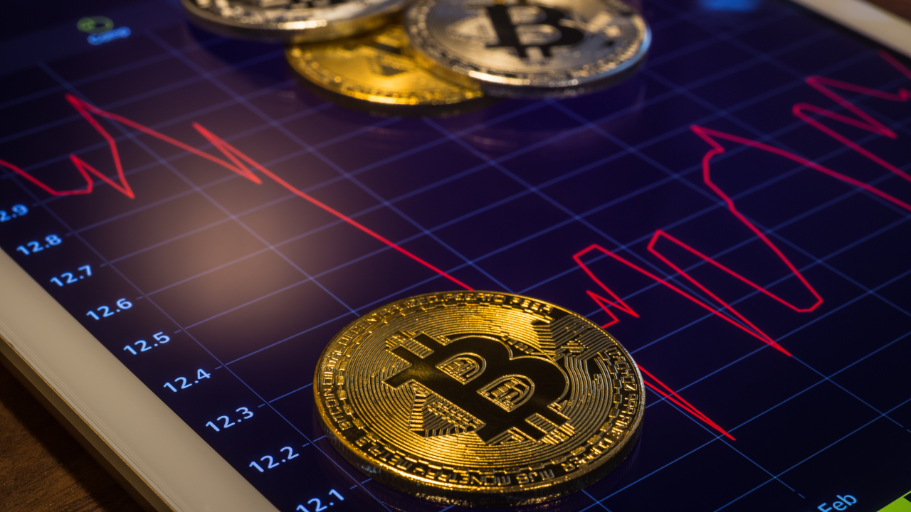 Chinese 'Ponzi scam' may have tanked Bitcoin price, new report suggests