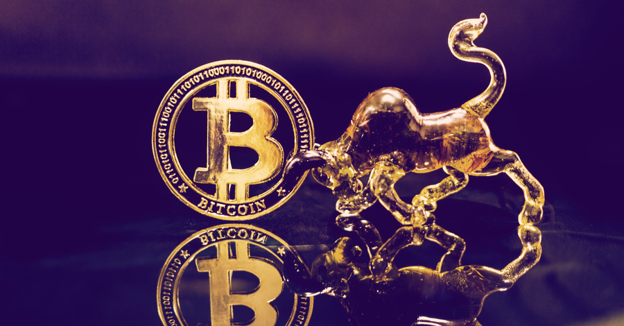 Bitcoin spikes $600 to reach nearly $9,000 per coin