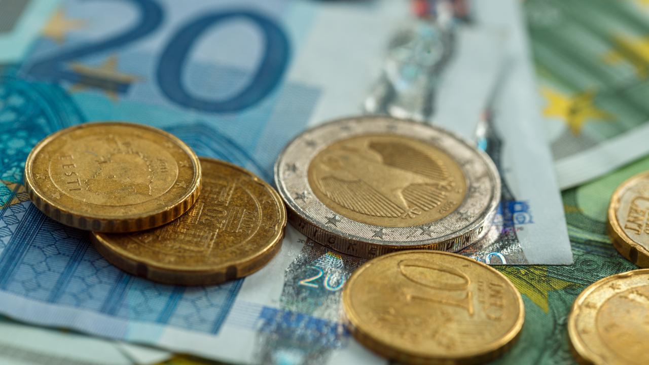 ECB director proposes 'unattractive' rates for theoretical digital euro