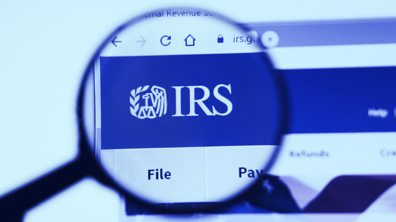 New Hampshire Man Sues IRS for Collecting Crypto Data