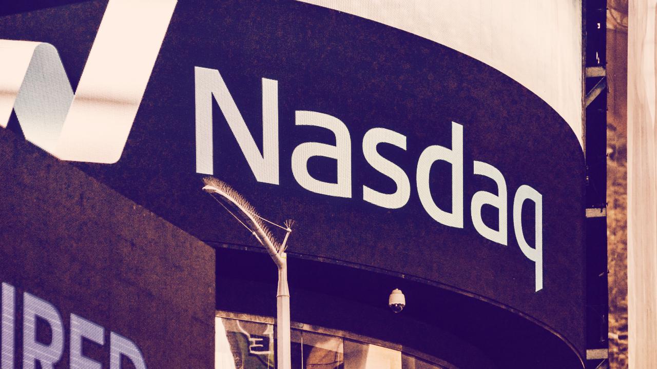 Bitcoin, Ethereum Mining Company Hive to List Stock on Nasdaq