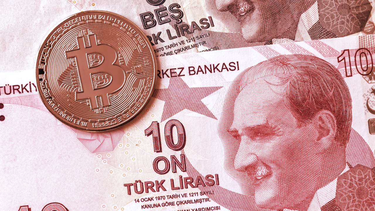 Bitcoin Dips as Turkey Bans Crypto Payments
