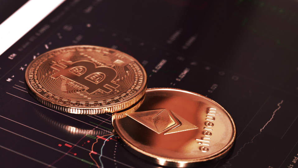 Crypto Market Tops $2 Trillion Again With Bitcoin, Ethereum Leading the Way