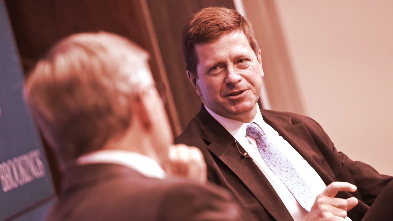 Former SEC Chairman Is Advising the Latest Bitcoin ETF Contender - Decrypt