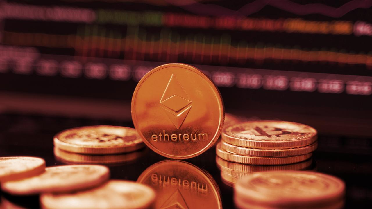 Crypto Market Sheds $73 Billion—Ethereum, Solana, Avalanche Hit Harder Than Bitcoin