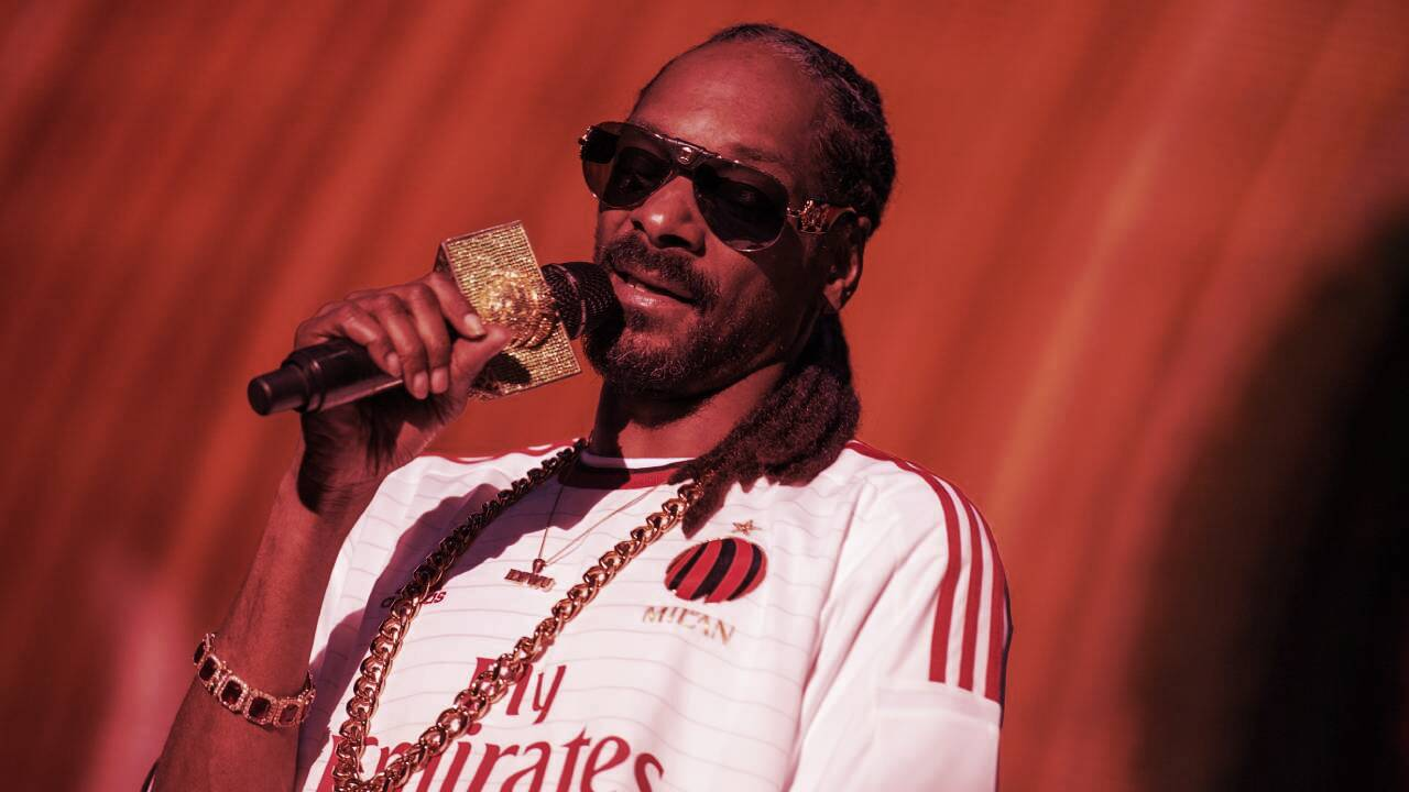 Snoop Dogg: Spamming Crypto Wallet With NFTs Is 'Insult to Artists'