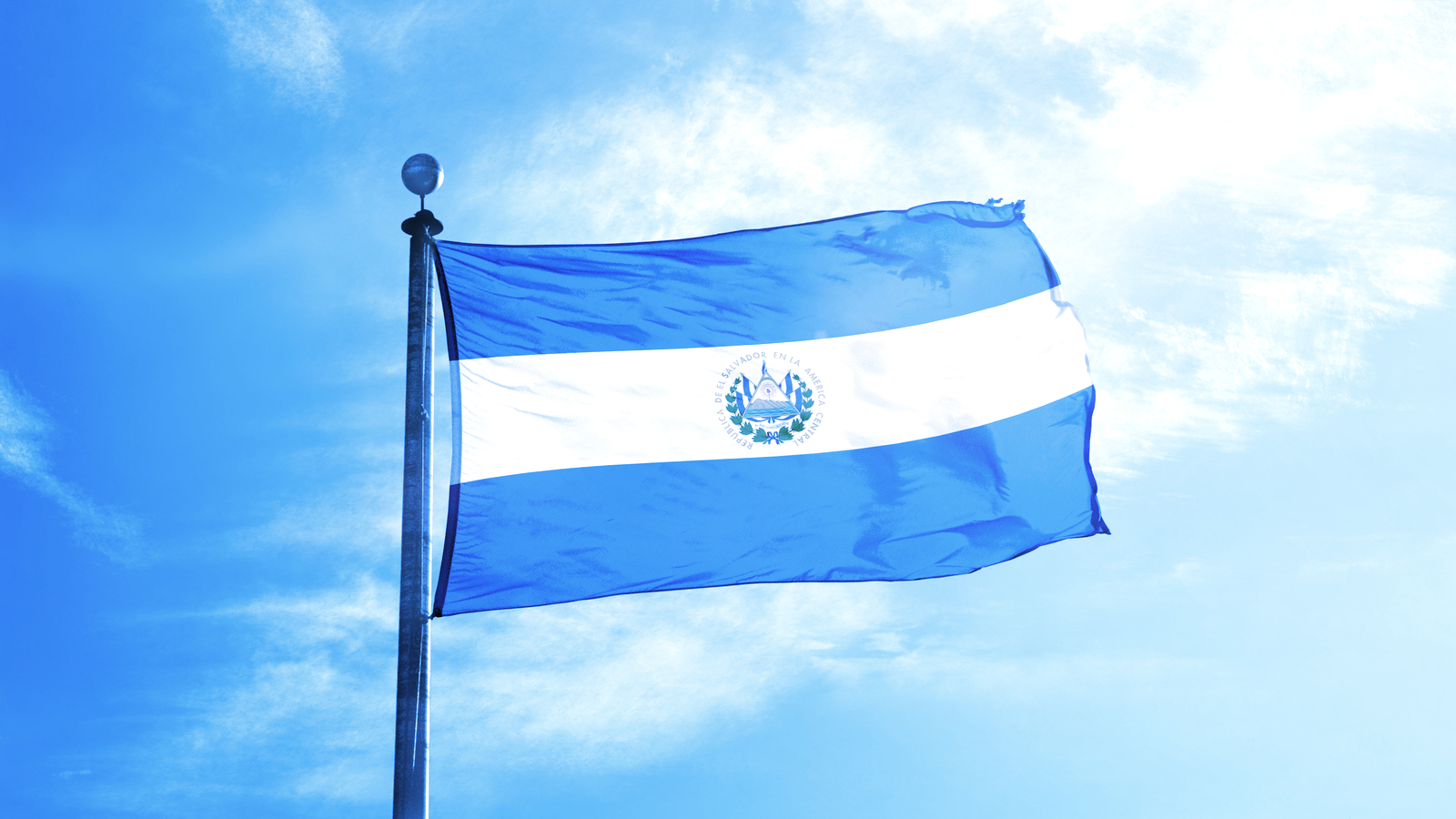 El Salvador Exempts Foreign Investors From Tax on Bitcoin Gains